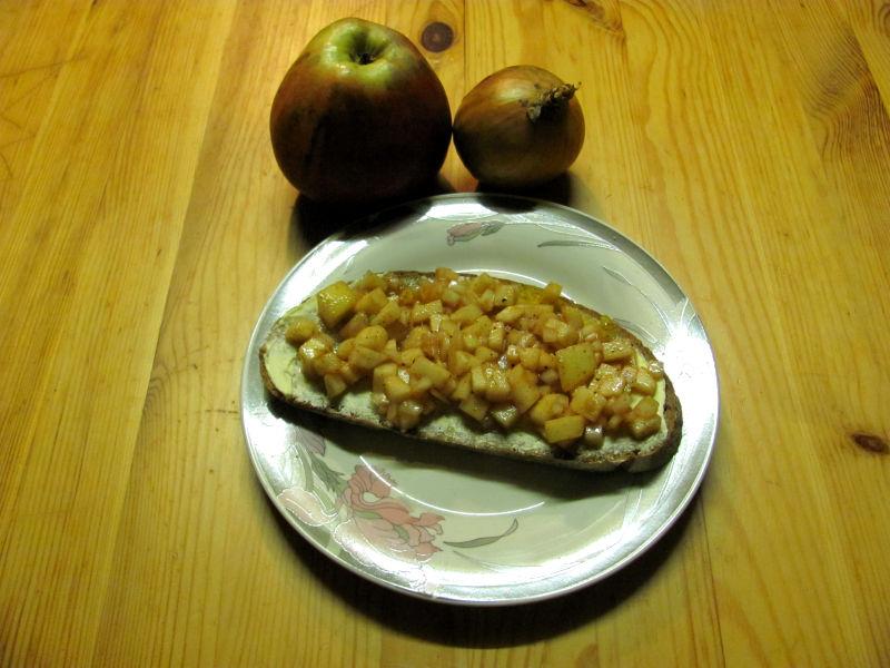 Apfel-Zwiebel-Brotbelag