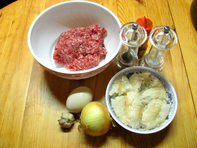 Hackfleisch mit Zwiebel und Knoblauch 1